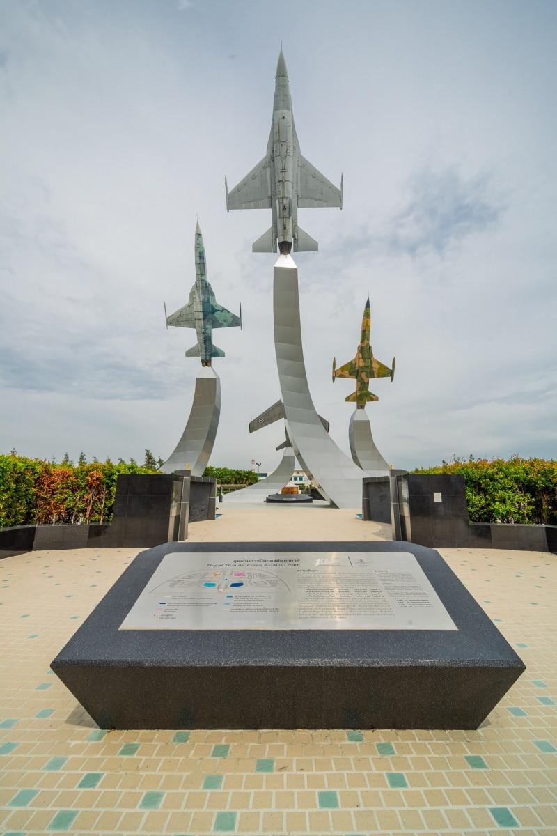 2020-05-02-Stucco-Royal Thai Air Force Aviation Park-Bangkok002.jpg