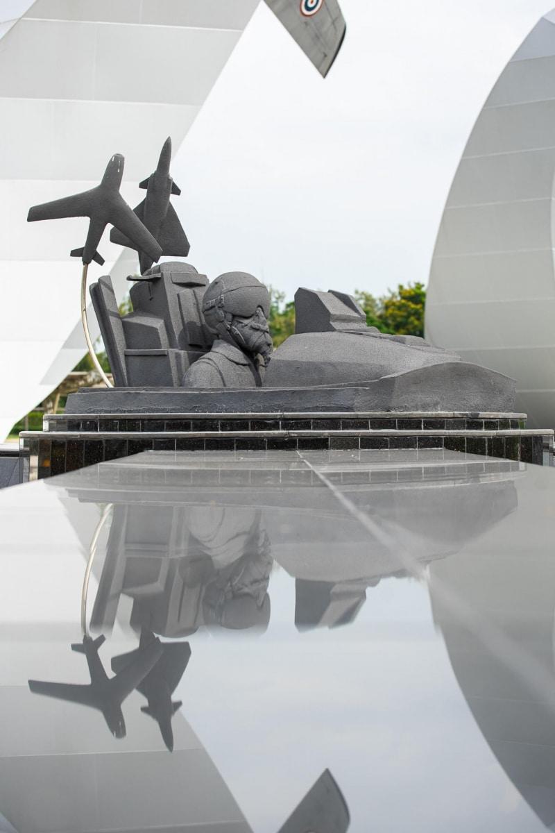 2020-05-02-Stucco-Royal Thai Air Force Aviation Park-Bangkok006.jpg